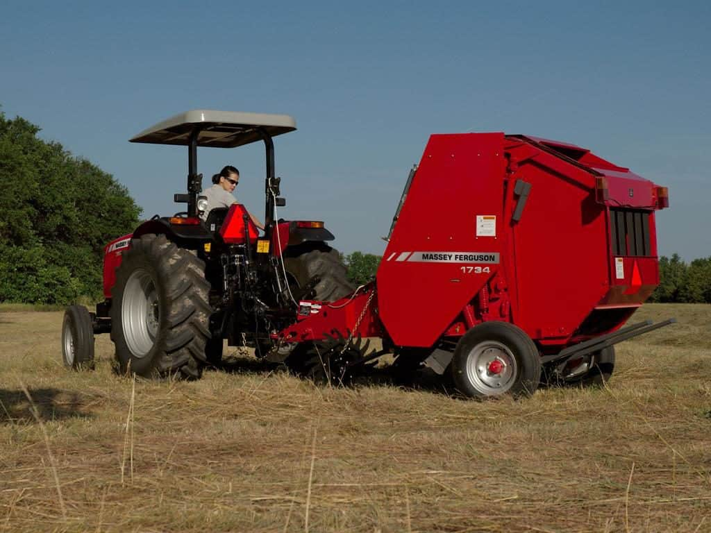 The 1700 & 2900 Series Hesston Round Balers from Massey Ferguson